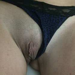My Wife's Shaved Pussy - Bald Pussy, Close-Ups, Shaved, Wife/Wives, Best Looking Pussy