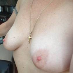 Large tits of my girlfriend - Lizzy