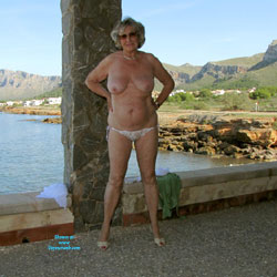 Jo Public Strip Abandoned Patio Mallorca - Beach, Big Tits, High Heels Amateurs, Lingerie, Striptease