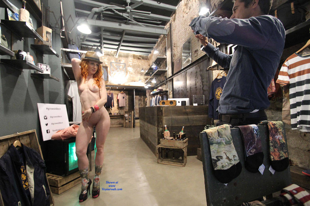Pic #7 Vienna - Nude Urban Style - Flashing, High Heels Amateurs, Public Exhibitionist, Public Place, Redhead, Shaved