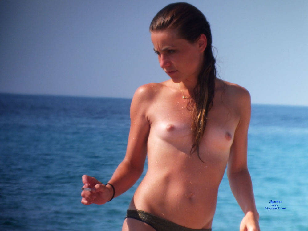 Pic #1 - Topless - Brunette Hair, Beach Voyeur , A Group Of Girls In South Of France..