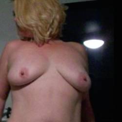 Medium tits of my girlfriend - My girlfriend