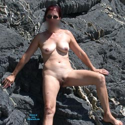 Escalade Naturiste - Big Tits, Shaved