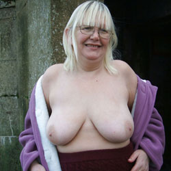 UK Slut Susan Exposed - Big Tits, Blonde, BBW
