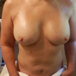 Medium tits of my wife - hula girl