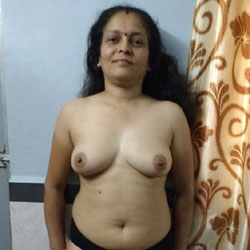 Jyothi Wants To Show - Brunette