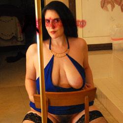 Devil In A Blue Dress - Lingerie, High Heels Amateurs, Brunette, Big Tits, Bush Or Hairy