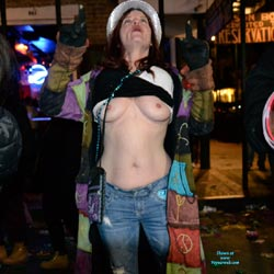 More Pics From Mardi Gras 2016 - Flashing