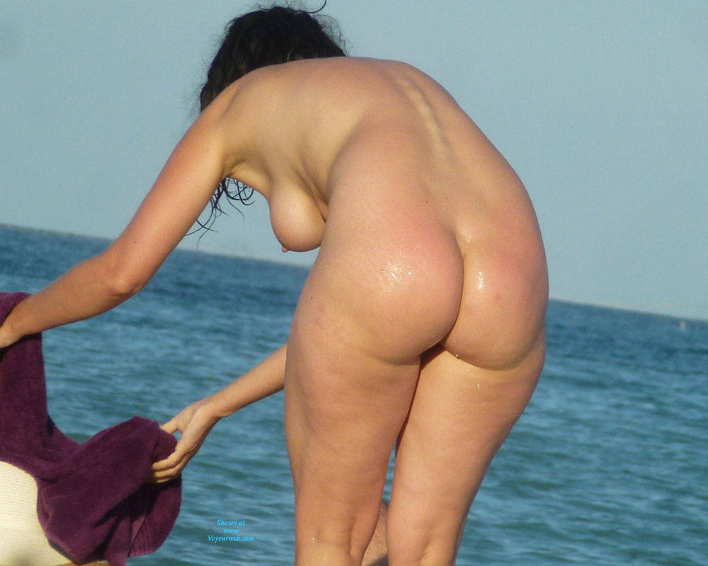 topless-butt-beach