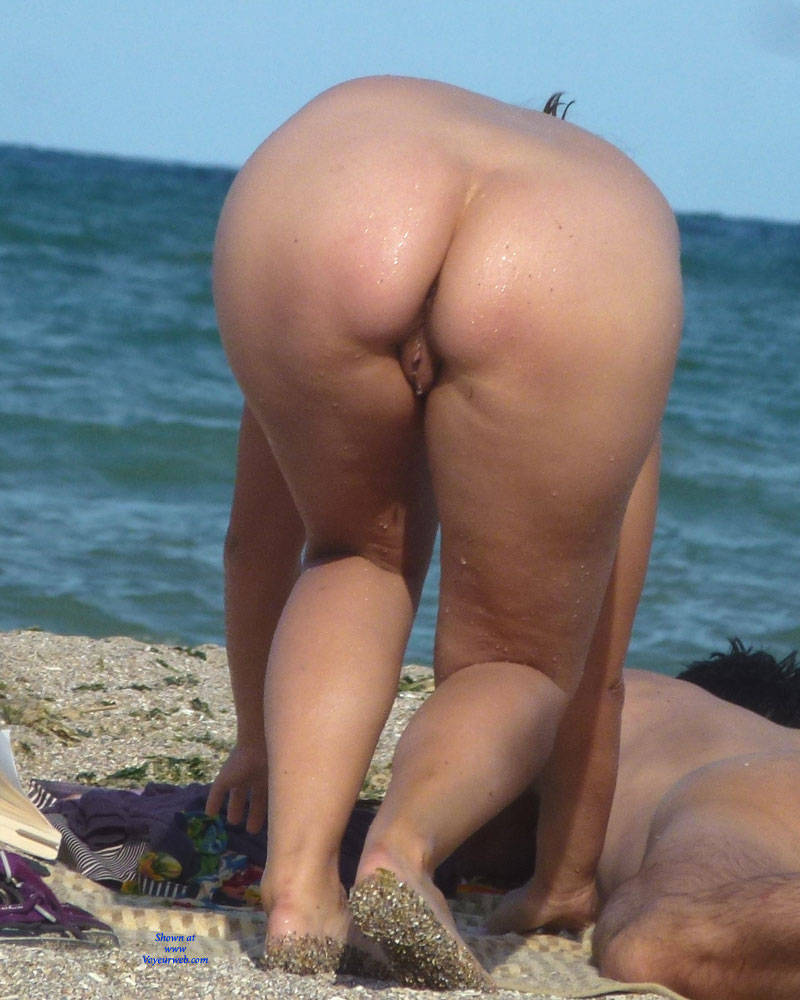 Naked ass on beach