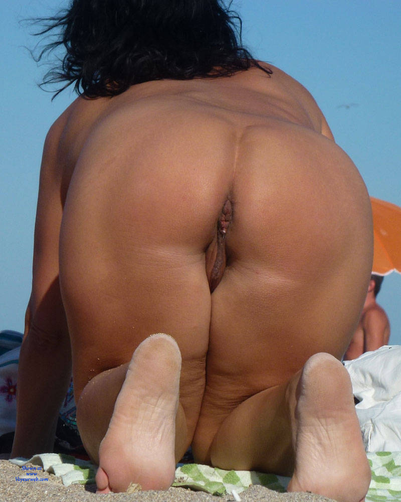 couples having sex on beach