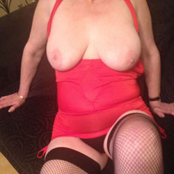 House Wife On Show - Big Tits, Lingerie, Wife/Wives