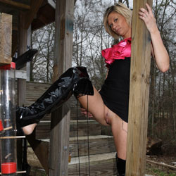 Pussy Poppin Outside - Blonde, High Heels Amateurs