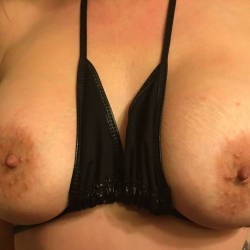 Medium tits of a co-worker - Myoffice Worker