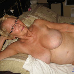 Big Tits - Mature, Big Tits, Bush Or Hairy