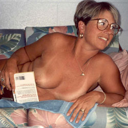 Debbie Nude In Our Maui Condo - Big Tits, Wife/Wives