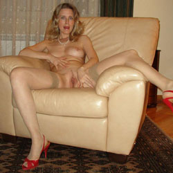 Nude And Horny At Home - Lingerie, High Heels Amateurs, Toys