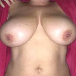 Extremely large tits of my wife - Daytona
