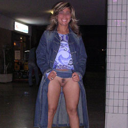 Public - Flashing, Lingerie, Public Exhibitionist, Public Place, Bush Or Hairy
