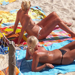 Topless Cuties - Blonde Hair, Topless Girl, Beach Voyeur , 2 Cute Topless Girls, About 27-30 Yo..