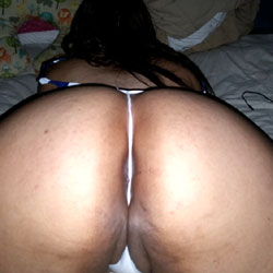 Thick Latina Loves Showing Off - Wife/Wives