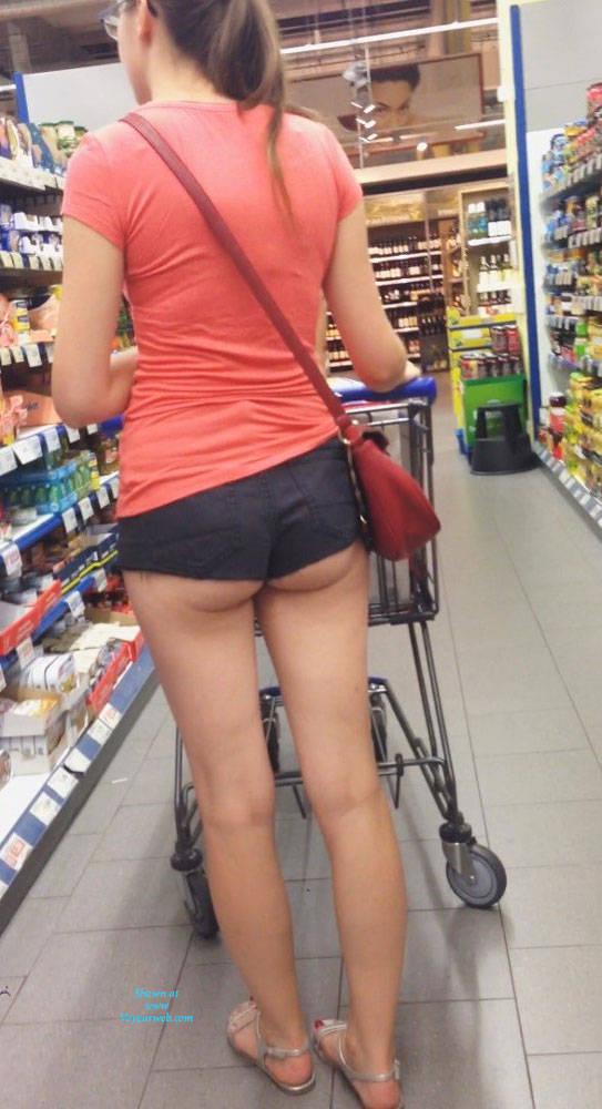 Hot Mom Shopping Voyeur Video 95
