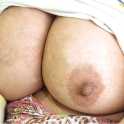 Malaysian Mom Trying To Feel Sexy Again - Big Tits