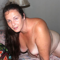 Bow Wow Wow  - Big Tits, Brunette