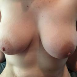 Medium tits of my girlfriend - Beth