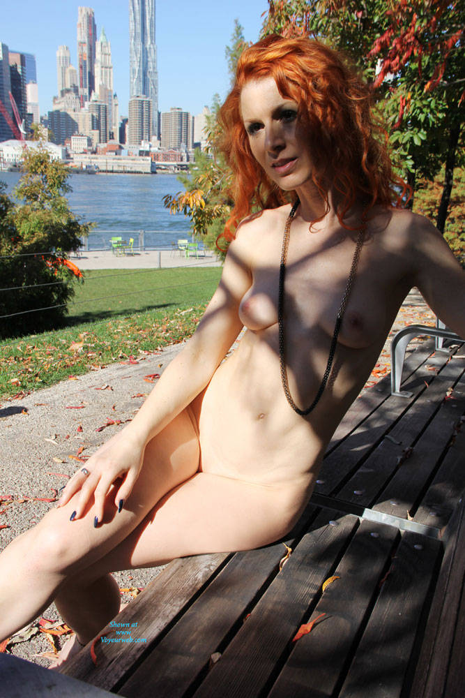 Pic #8 Vienna - Nue York New York - Big Tits, Flashing, High Heels Amateurs, Public Exhibitionist, Public Place, Redhead, Shaved
