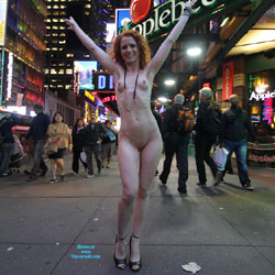 Vienna - Nue York New York - Big Tits, Flashing, High Heels Amateurs, Public Exhibitionist, Public Place, Redhead, Shaved