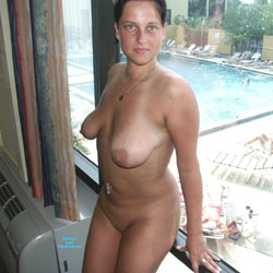 A Nice Day In Orlando Hotel - Big Tits, Brunette