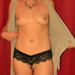 Medium tits of my ex-girlfriend - Tame T