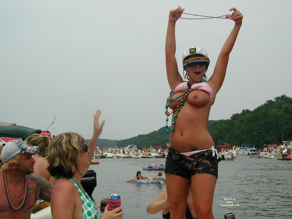 Pic #1 - Lake of the Ozarks Party Cove Missouri