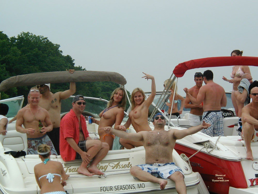 Pic #6 - Lake of the Ozarks Party Cove Missouri