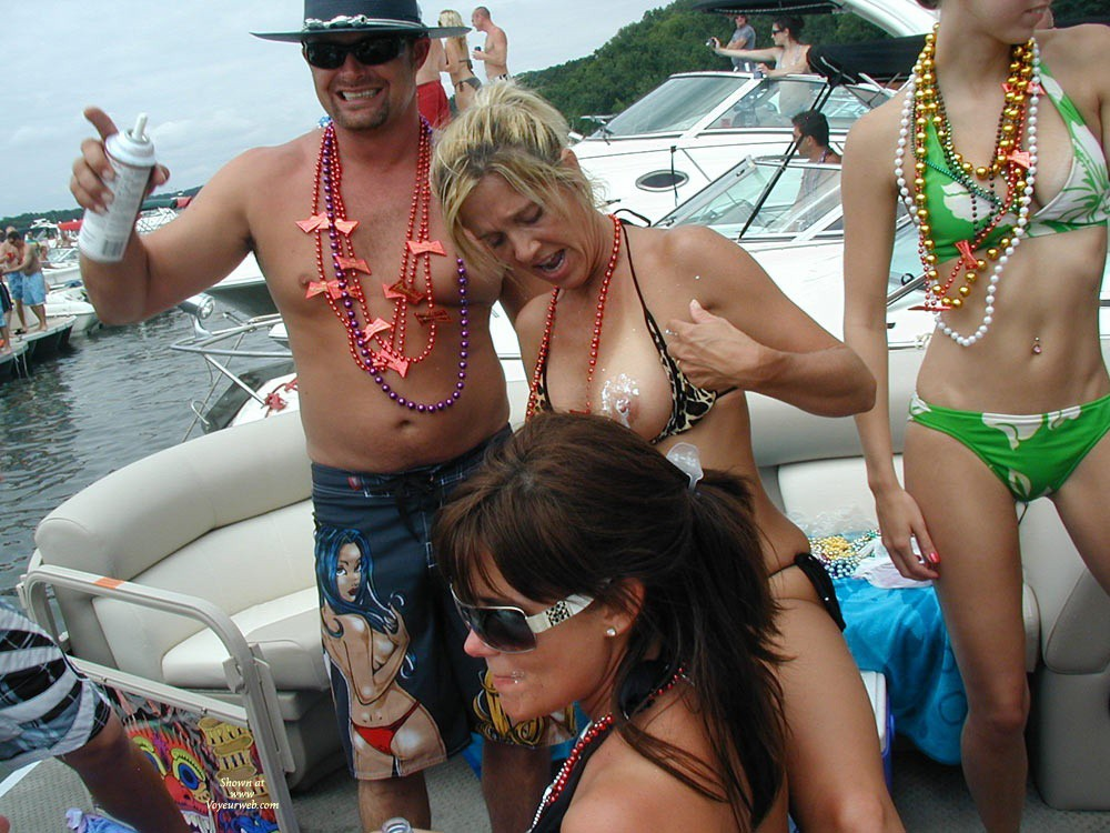 Pic #9 - Lake of the Ozarks Party Cove Missouri