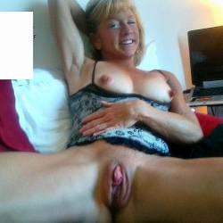 Medium tits of my wife - crissy