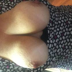 Medium tits of my girlfriend - Submissivequeen