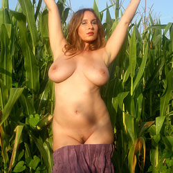Corn Field Boob Play - Big Tits, Bush Or Hairy