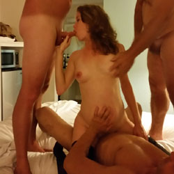 Having Fun With The Boys - Brunette, Group
