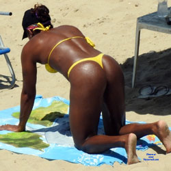 Yellow Bikini In Janga Beach - Beach Voyeur, Bikini Voyeur, Brunette