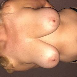 Large tits of my girlfriend - Kuffi