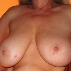 Very large tits of my girlfriend - Kuffi