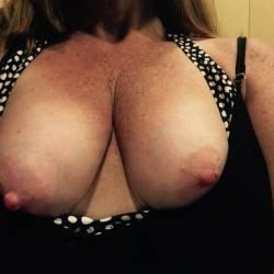 Medium tits of my wife - Sam1