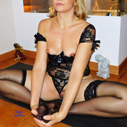 Yoga Lessons With Anna 3 - Lingerie