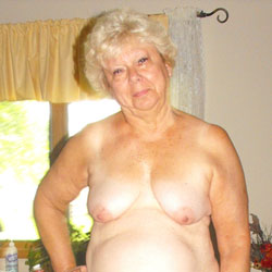Hot GILF - Mature, Bush Or Hairy