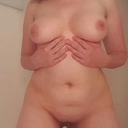 On The Bed - Big Tits