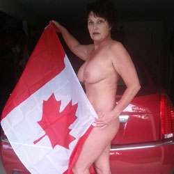 O Canada - High Heels Amateurs, Brunette, Big Tits, Mature