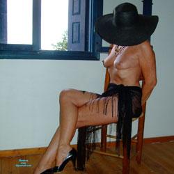 Milf In Black - High Heels Amateurs, Lingerie