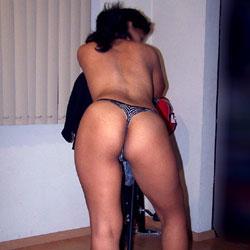 Showing Her Legs - High Heels Amateurs, Lingerie